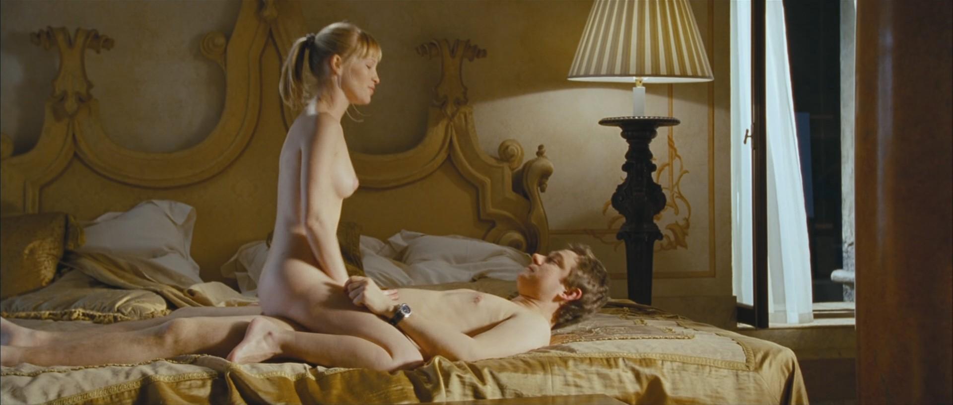 russkie-nudisti-video-seks
