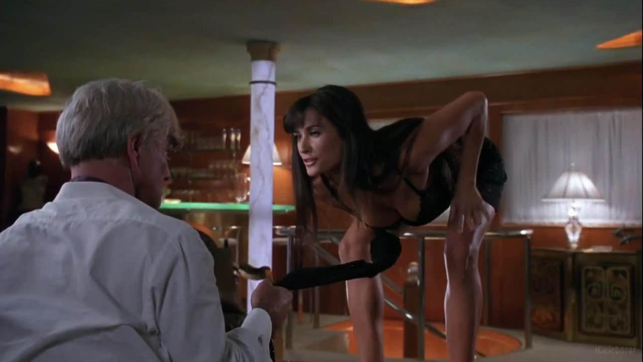 Striptease Clip Demi Moore Doing A Private